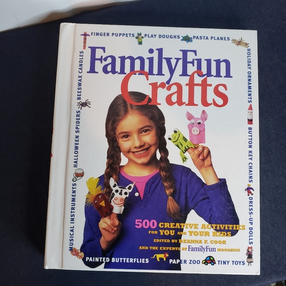 Family funcrafts disney edition book